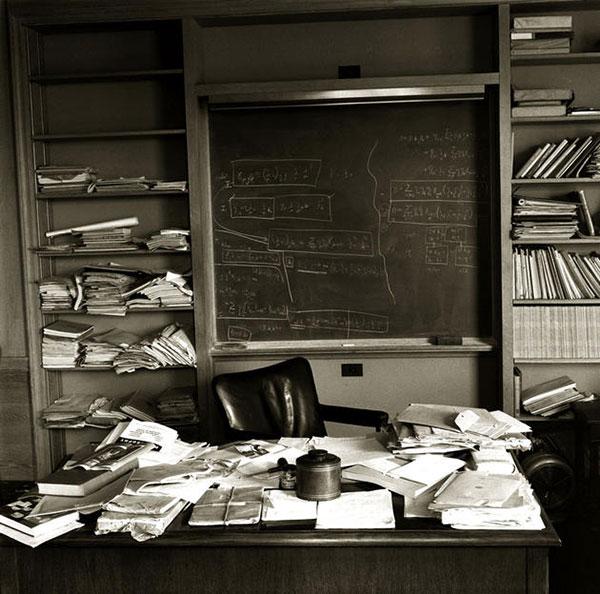 Alberts office